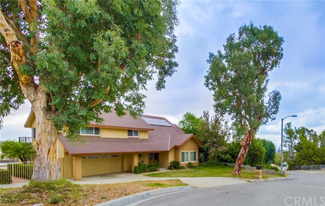 5207 London Avenue Rancho Cucamonga, CA 91737 is listed for sale as MLS Listing CV16705965