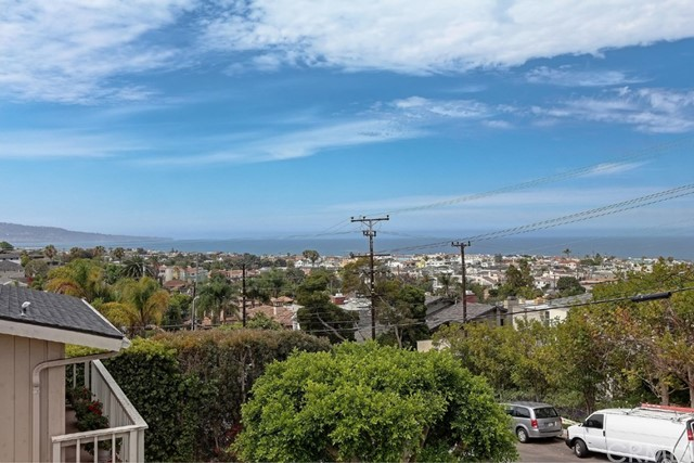 Additional photo for property listing at 108 Poinsettia Avenue  Manhattan Beach, 캘리포니아,90266 미국
