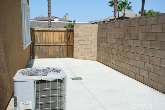 12892 Pomelo Lane, Garden Grove CA: http://media.crmls.org/medias/c7ca4ce2-83f1-4df0-b207-cdc46cf86a6b.jpg
