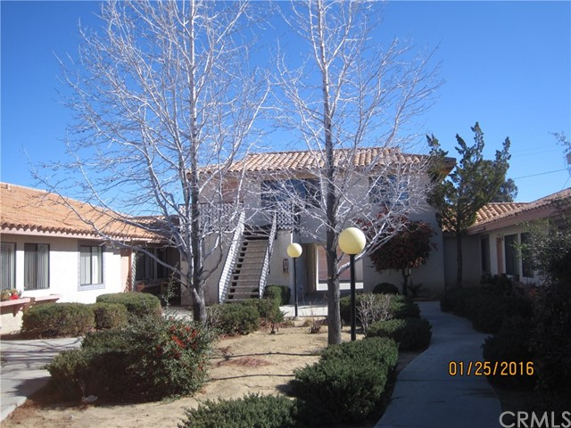 Single Family for Sale at 7595 Kickapoo Trail Yucca Valley, California 92284 United States