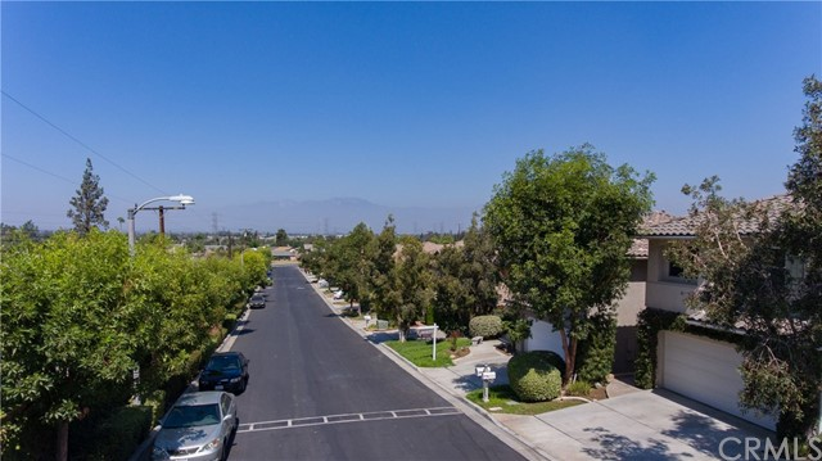 790 S Spanish Oak Lane, La Puente CA: http://media.crmls.org/medias/c7dc8459-2f22-43c6-a479-904fde54096e.jpg