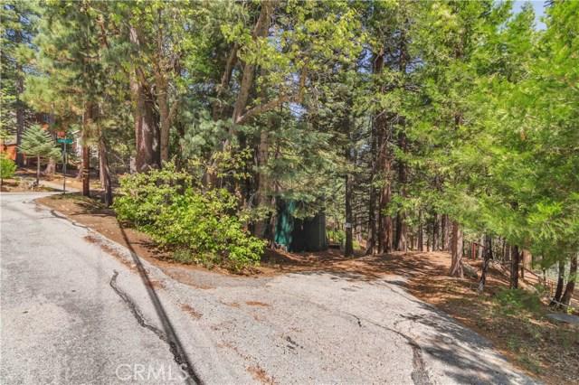 26574 Lake Forest Drive, Twin Peaks CA: http://media.crmls.org/medias/c7ea957d-b2f7-4d15-b080-c520e60afffb.jpg