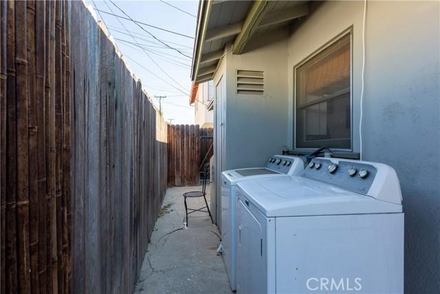 3707 Cerritos Avenue, Long Beach CA: http://media.crmls.org/medias/c7f2df55-f78d-412b-bc58-52afcc6fb392.jpg