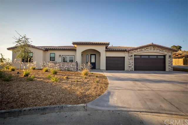 3125  Lakeside Village Drive, Paso Robles, California