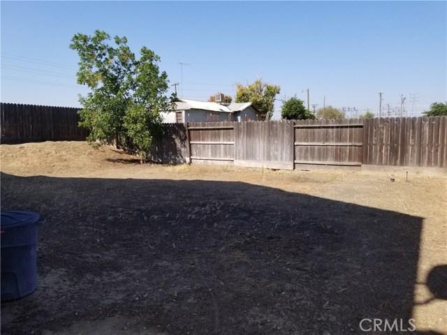 1551 La Sierra Street, Merced CA: http://media.crmls.org/medias/c7f690e6-2fe4-4ba1-9c0b-342f8464255d.jpg