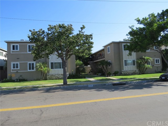 1034 Imperial, El Segundo, California 90245, ,Residential Income,For Sale,Imperial,SB17212319