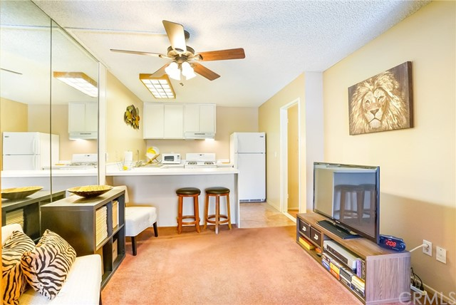 15224 Ocaso Avenue H212, La Mirada, CA, 90638