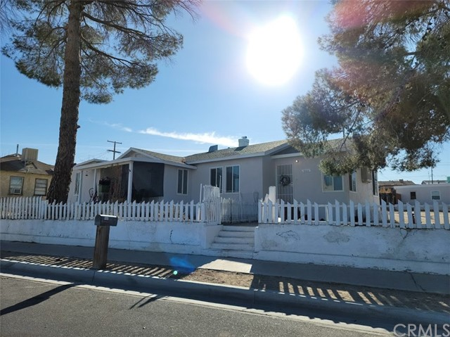 Detail Gallery Image 1 of 1 For 960 W Buena Vista St, Barstow,  CA 92311 - – Beds | – Baths