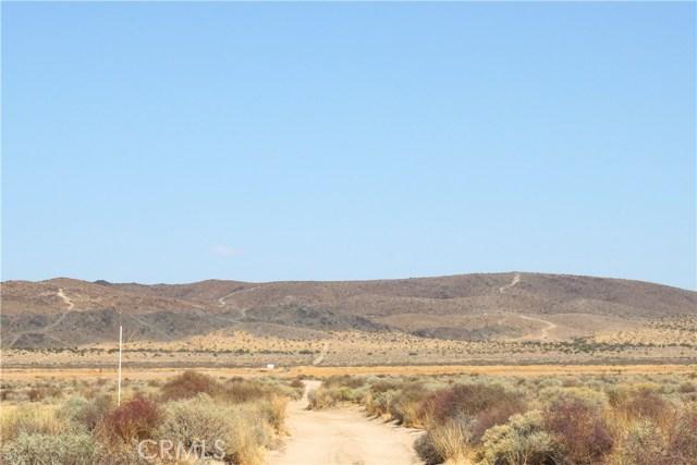 0 Enchanted Road, Joshua Tree CA: http://media.crmls.org/medias/c8178db0-1be3-4477-adad-24dbf29d9818.jpg
