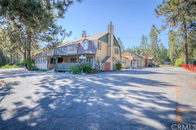 地址: 41421 Big Bear Boulevard, Big Bear, CA 92315
