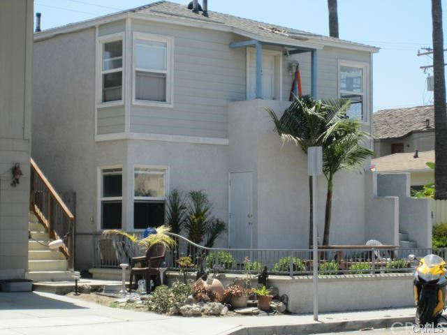 Apartment for Rent at 1206 Ocean St Seal Beach, California 90740 United States