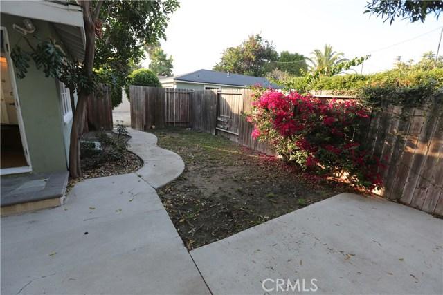 352 E 18th Street, Costa Mesa CA: http://media.crmls.org/medias/c833740e-b47b-450e-ac7d-96f5402dcc2e.jpg