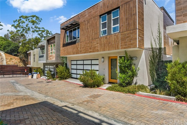 2776 Wright Lane, Los Angeles CA 90068
