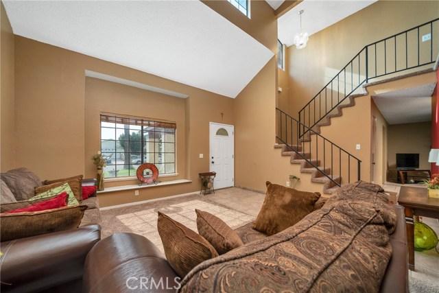 725 S Lassen Avenue, San Bernardino CA: http://media.crmls.org/medias/c8388259-f413-47bf-a7dd-4000df34085b.jpg