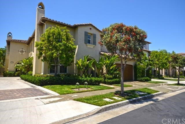 Single Family Home for Sale at 18745 Sinclair St Huntington Beach, California 92648 United States