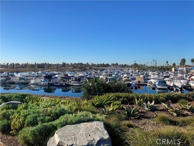 305 N Jade Cove, Long Beach CA: http://media.crmls.org/medias/c853b1d1-fca2-481a-98e3-c86e09f82872.jpg