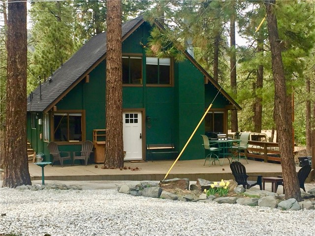 1015 Robin Lane Wrightwood, CA 92397 - MLS #: EV18137379
