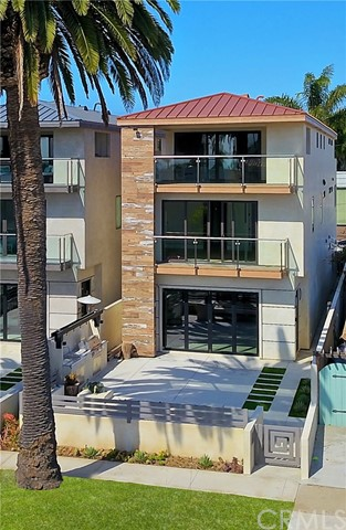 Photo of 415 S California Street, Huntington Beach, CA 92648