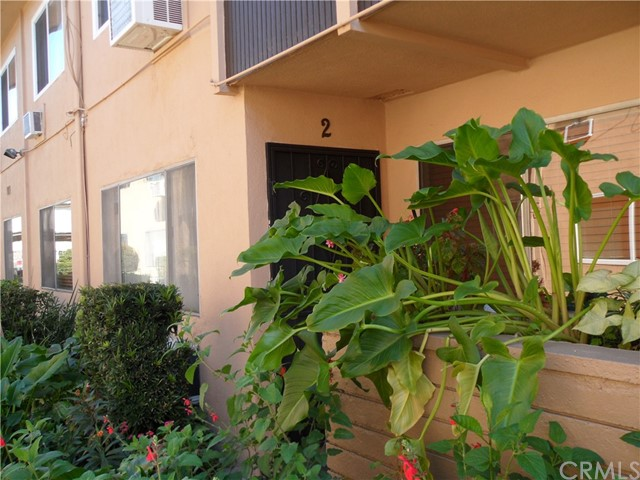 Detail Gallery Image 1 of 17 For 3050 Vineland Ave #2,  Baldwin Park,  CA 91706 - 2 Beds | 1 Baths