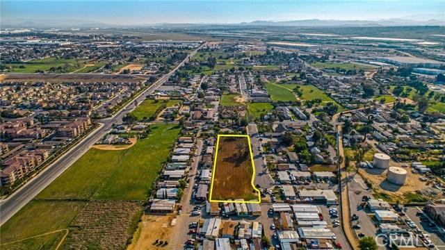 13200 Barbara Street, Moreno Valley CA: http://media.crmls.org/medias/c8761eb4-0222-4390-83ca-ab6cb0aa5a86.jpg