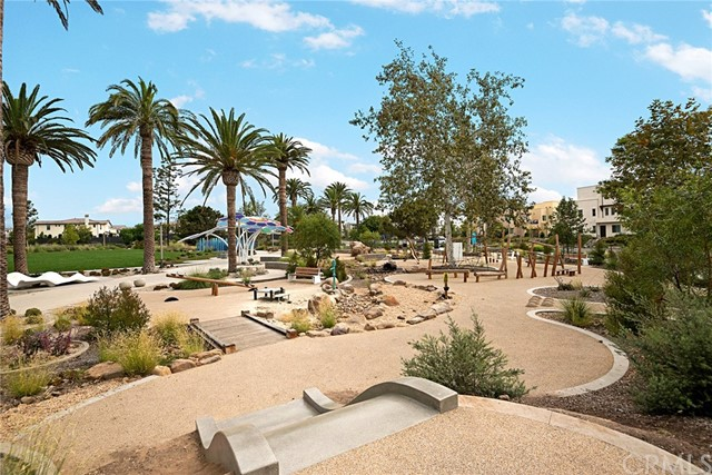 168 Follyhatch, Irvine CA: http://media.crmls.org/medias/c879d04d-eca9-45c8-8237-04465e5502d5.jpg