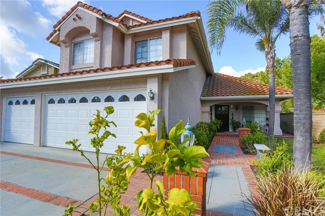 Single Family Home for Sale at 19571 Aliso View St Lake Forest, California 92679 United States