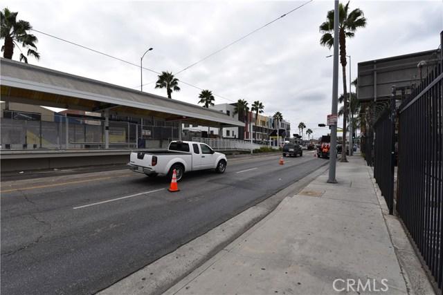 757 E Washington Boulevard, Los Angeles CA: http://media.crmls.org/medias/c88a9533-b7c0-458d-b369-644c7677224c.jpg