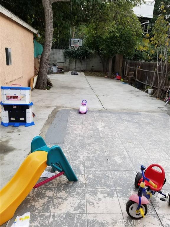 4636 Lomita Street, Los Angeles CA: http://media.crmls.org/medias/c88cc0c0-cf2f-448d-8aeb-5b023a67b8b8.jpg