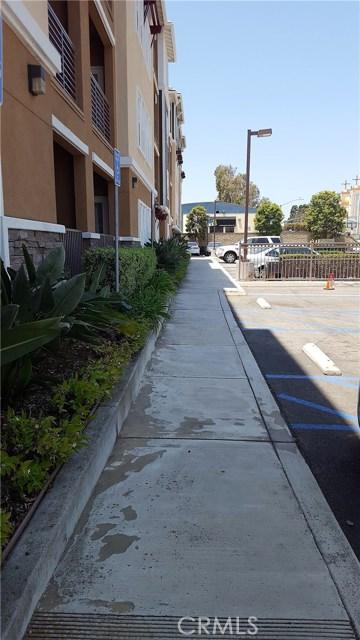 3550 Torrance Boulevard, Torrance CA: http://media.crmls.org/medias/c88d008d-d1d6-423c-bf3b-776956bd97c6.jpg
