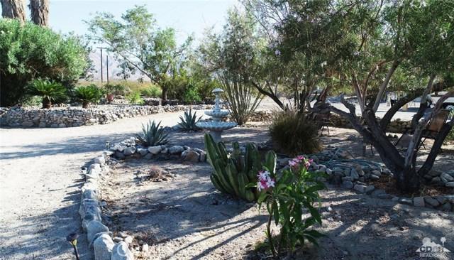 26201 Hopper Road, Desert Hot Springs CA: http://media.crmls.org/medias/c89c1726-be68-4678-a3a5-b3e003b86939.jpg