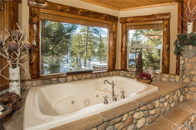 39258 Waterview Drive, Big Bear CA: http://media.crmls.org/medias/c89d33c3-d6a7-4030-8a1c-5841e5b66a29.jpg
