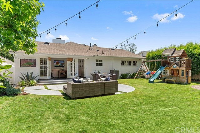 481 Cabrillo Street, Costa Mesa CA: http://media.crmls.org/medias/c8a2fa52-ef0b-4003-a30c-8657ab1b1f97.jpg
