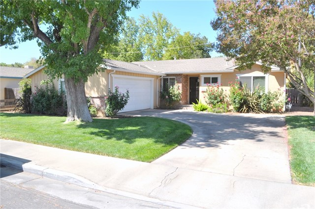 2649 7th Avenue, Merced CA: http://media.crmls.org/medias/c8a6e4bb-6e05-46ac-993b-615c2dc64cd1.jpg