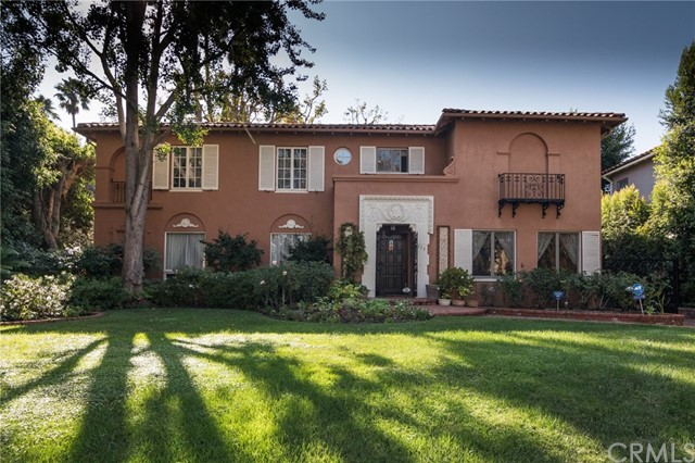 Single Family Home for Sale at 315 N Mccadden Place 315 N Mccadden Place Los Angeles, California 90004 United States