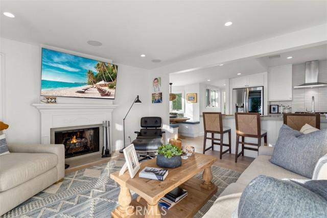 274 Upland Road, Laguna Beach CA: http://media.crmls.org/medias/c8b7670b-c93f-42d2-bed9-036d8bb5551e.jpg