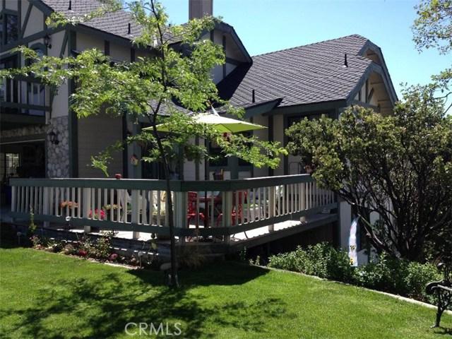 30293 Leprechaun Court, Running Springs Area CA: http://media.crmls.org/medias/c8bbdb23-af6c-40bb-a654-3e1dbf2976f4.jpg