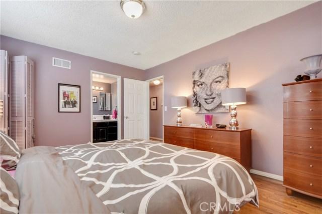 2455 Cambridge Avenue, Fullerton CA: http://media.crmls.org/medias/c8bd70b9-8262-4f29-b313-cbc1917e9559.jpg
