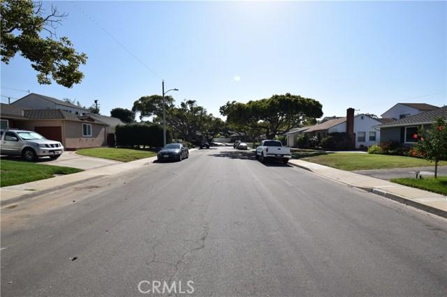 22634 Crosshill Avenue, Torrance CA: http://media.crmls.org/medias/c8bede4a-379d-45d2-a336-c6a87aeb5b7f.jpg