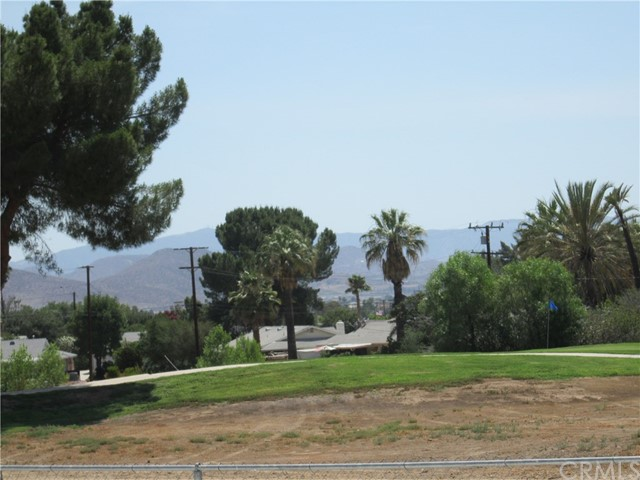 28547 Bradley Road, Menifee CA: http://media.crmls.org/medias/c8cb34a6-3e61-4a5e-9296-b9390e875efa.jpg