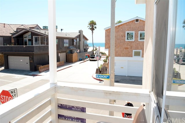 109 41st Street, Newport Beach CA: http://media.crmls.org/medias/c8ee71c8-a43e-4677-a980-a309b0b02c7b.jpg