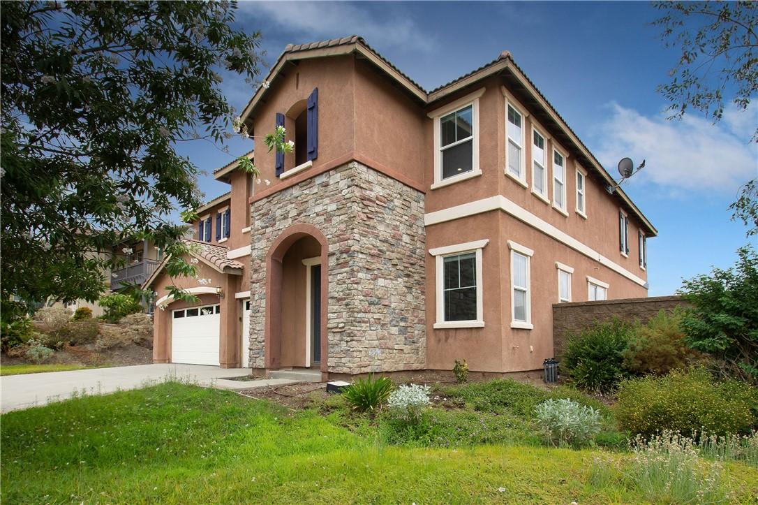 41047 Sunsprite Street, Lake Elsinore CA: http://media.crmls.org/medias/c8f0bd62-54a7-441d-ade4-38d5202b383c.jpg