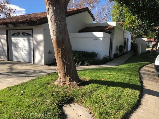 1816 Woodbrook Lane, Fallbrook CA: http://media.crmls.org/medias/c8fbc1f6-5bcd-491e-8695-e4a4ae4d8eca.jpg