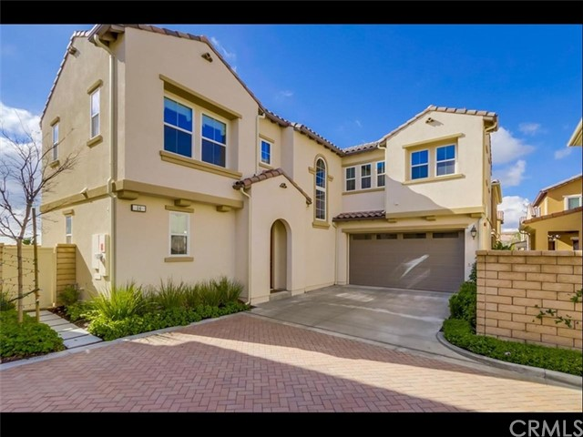 Single Family Home for Sale at 26 Lantana Lake Forest, California 92630 United States