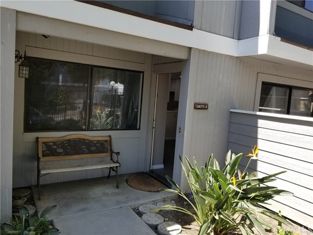 13075 Hubbard Street, Sylmar CA: http://media.crmls.org/medias/c9178c49-e8d7-4e4a-a74d-d21dbaa161ac.jpg