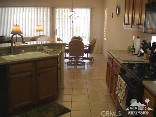 35225 Staccato Street, Palm Desert CA: http://media.crmls.org/medias/c91e0e11-f6ba-46c3-9820-43251e6fd319.jpg