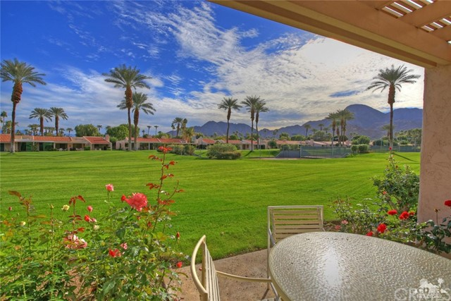 45878 Algonquin Circle, Indian Wells CA: http://media.crmls.org/medias/c9311f5d-3416-4ba0-a646-08175db9491b.jpg