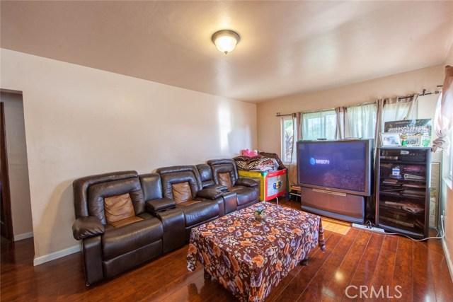 4211 Abbott Road, Lynwood CA: http://media.crmls.org/medias/c93bf395-ec11-4efb-a176-b01b29eec54f.jpg