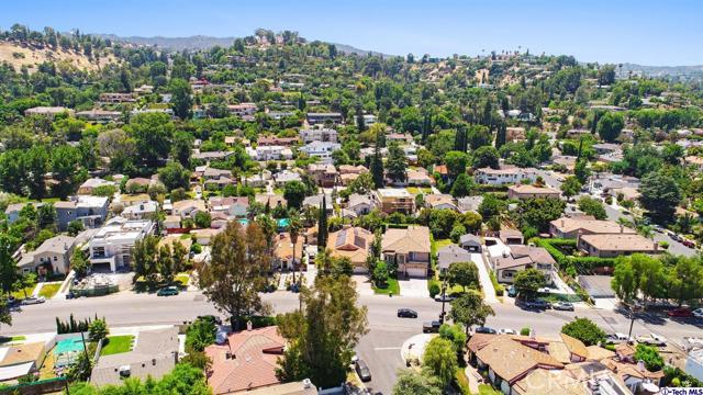 18038 Valley Vista Boulevard, Encino CA: http://media.crmls.org/medias/c943f91b-1703-40f0-8289-b1664aeaaa8c.jpg