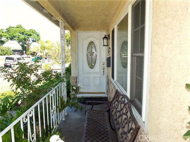 2774 Delta Avenue, Long Beach CA: http://media.crmls.org/medias/c946ddbb-70e6-4e96-bf5b-9f6426d3ae35.jpg