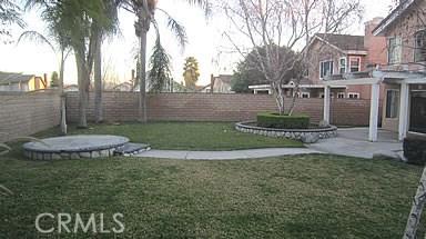 13585 Joshua Lane, Chino CA: http://media.crmls.org/medias/c95fe269-e322-475a-8706-6609d6a29e25.jpg